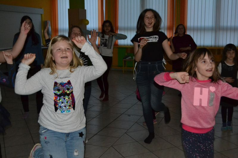 solski-ples-in-igre-2019__58_r